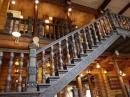 Украсим лестницу перилами